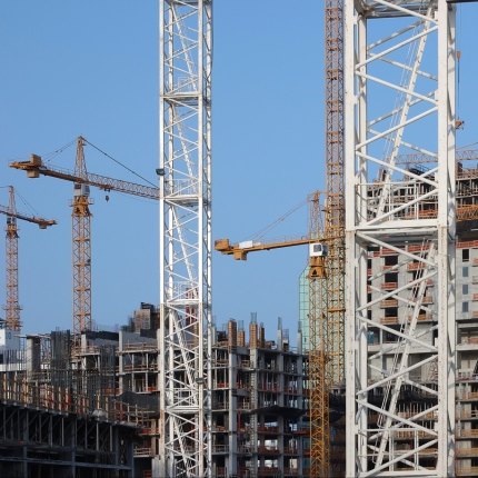cranes-and-buildings-under-construction